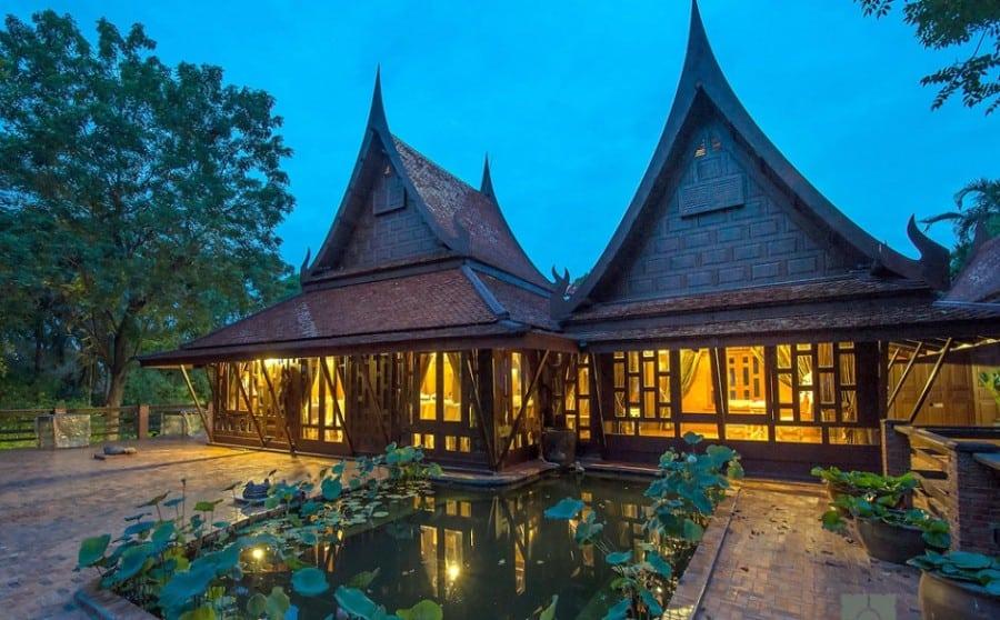 รับสร้างบ้านทรงไทย